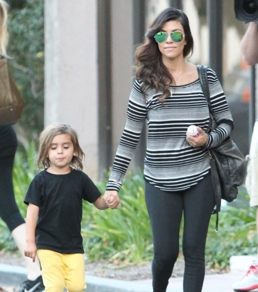 Exclusive... Kourtney Kardashian & Son Mason Running Errands In Thousand Oaks