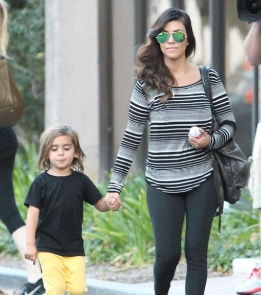 Exclusive... Kourtney Kardashian & Son Mason Running Errands In Thousand Oaks