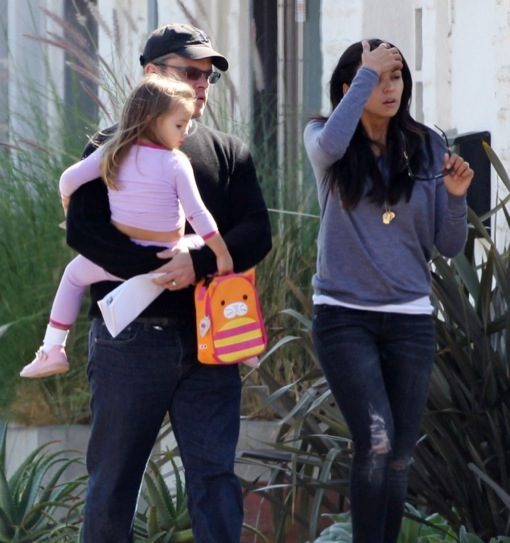 Matt Damon & Wife Pick Up Stella From School