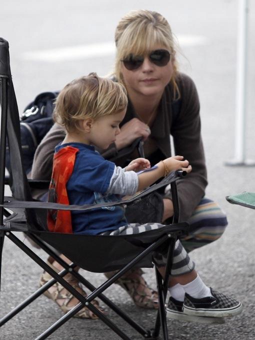 Selma Blair & Son have Fun At The Farmers Market