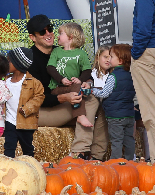Will Arnett: Pumpkin Patch Visit With His Boys