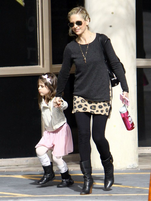 Sarah Michelle Gellar Has A Fun Day Out With Her Daughter Charlotte