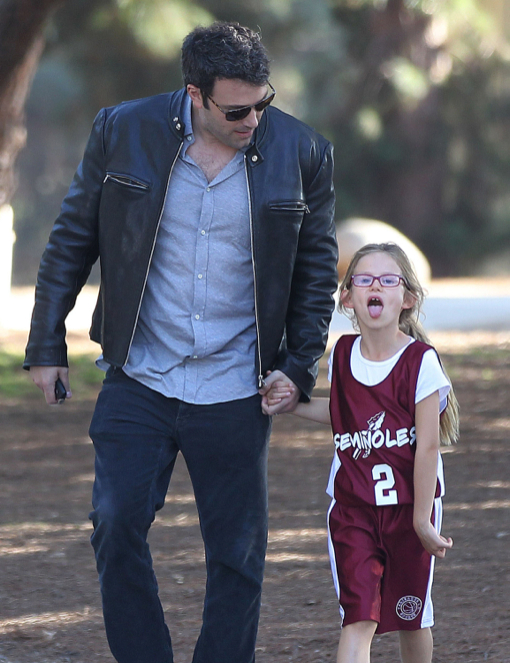 Ben Affleck Takes Daughter Violet To Her Basketball Game | Celeb Baby Laundry