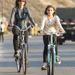 Cindy Crawford & Kaia: Model Bikers