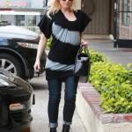 Gwen Stefani Bumps to Lunch