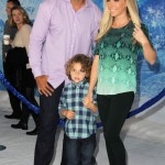 Kendra Wilkinson & Family Walk the White Carpet at Disney's Frozen Premiere