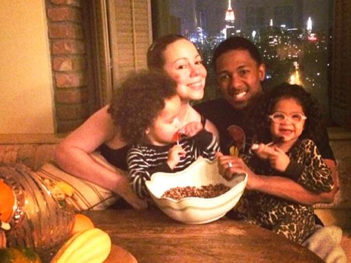 Mariah Carey & Family Make Pecan Pie For Thanksgiving