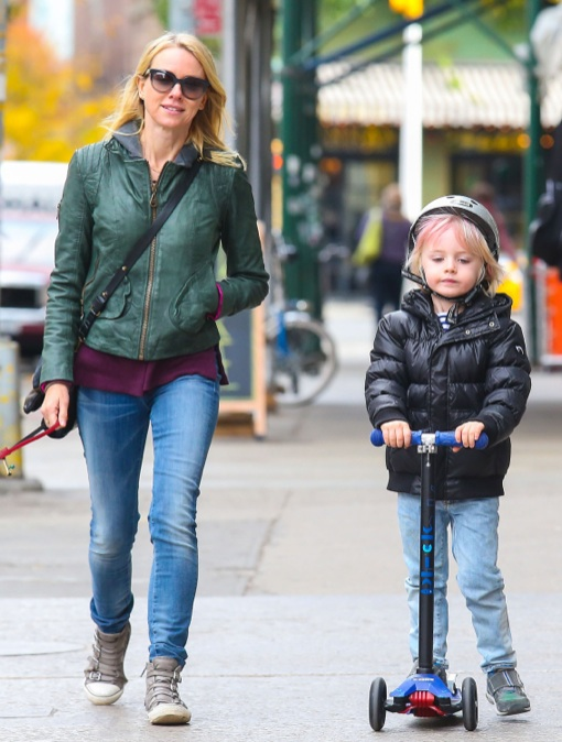 Naomi Watts: Big Apple Scooter Day