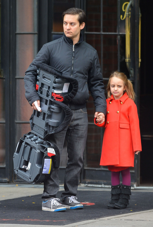 Tobey Maguire & Ruby Spend The Day With Leonardo DiCaprio