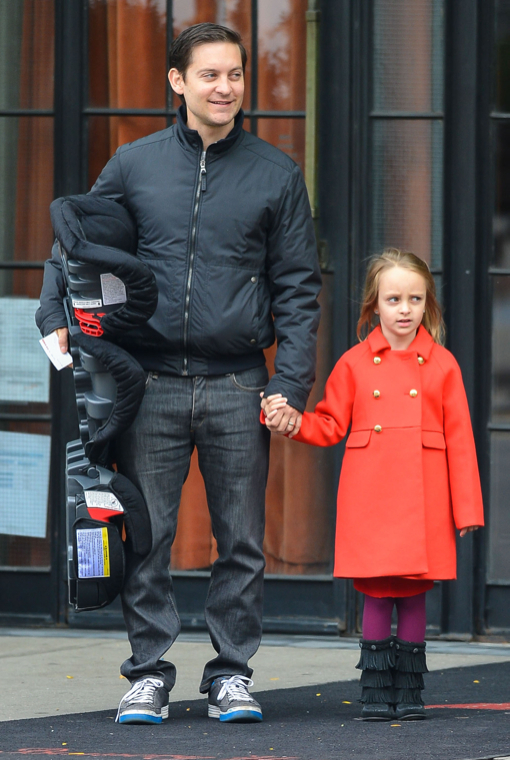 Tobey Maguire & Daughter Ruby Waiting For Leonard DiCaprio