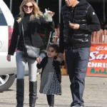Ellen Pompeo & Family Pick Up a Christmas Tree