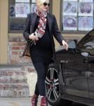 Pregnant Gwen Stefani Visits An Acupuncture Clinic