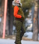 Pregnant Gwen Stefani Watching Her Boys Play In The Snow