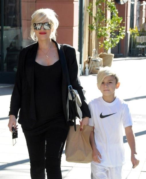 Pregnant Gwen Stefani Takes Kingston To The Doctor