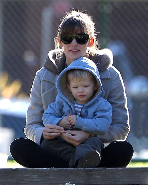 Exclusive... Jennifer Garner Takes Samuel To Feed The Ducks