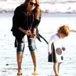 Jessica Alba: Malibu Beach Day With Family