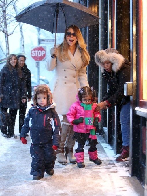Mariah carey shops in aspen with her snow babies celeb for Mariah carey jewelry line claire s