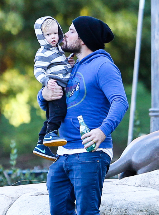 Mike Comrie Spends Time With Luca At The Park