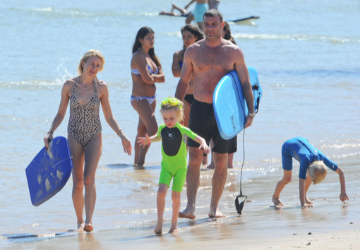 Naomi Watts & Family Enjoying A Day On The Beach In Sydney