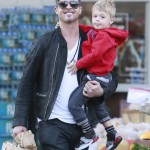 Robin Thicke & Julian Pick Up Groceries