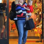Reese Witherspoon & Jennifer Garner Take their Sons to the Same Baby Class