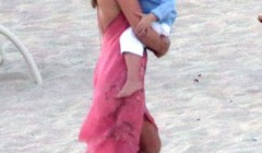 Exclusive... Ali Larter & Family Taking Photos On The Beach In Cabo