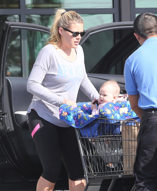 Busy Philipps & Cricket: Grocery Shopping Duo