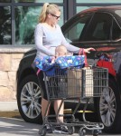 Busy Philipps Takes Cricket Grocery Shopping