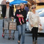 Chris Hemsworth & Family Run Errands in Santa Monica