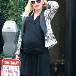 Pregnant Gwen Stefani Lunches With Jennifer Meyer