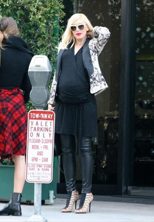 Pregnant Gwen Stefani Lunches With Jennifer Meyer