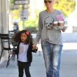 Heidi Klum & Lou Pick Up Coffee