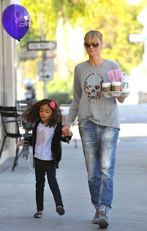 Heidi Klum & Daughter Lou Go On A Coffee Run