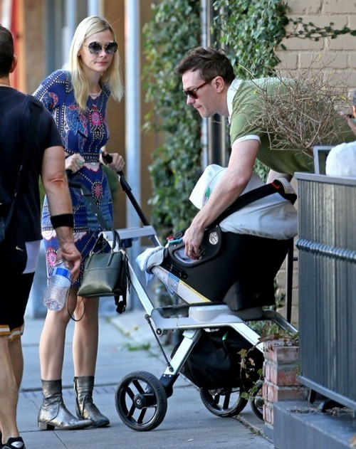 Hart Of Dixie's Jaime King Enjoys Lunch With Her Husband and Son James