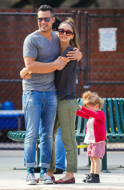 Jessica Alba & Family At The Coldwater Canyon Park