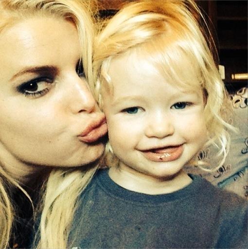 Jessica Simpson Kisses Daughter Maxwell in Sweet Shot
