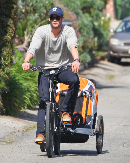 Chris Hemsworth Takes India For A Crusie In Malibu