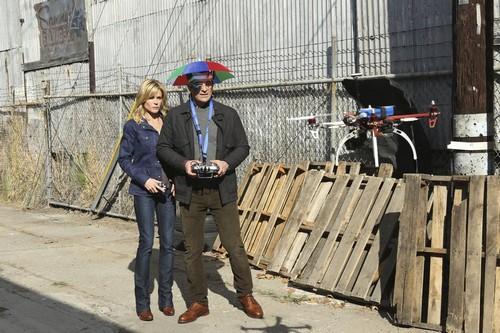 """Modern Family Recap For February 5th, 2014: Season 5 Episode 14 """"iSpy"""""""