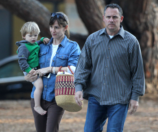 Jen & Ben Take Their Kids To The Pacific Palisades Park