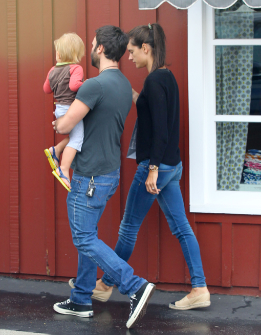 Ambrosio and her husband jamie mazur take their son noah to breakfast