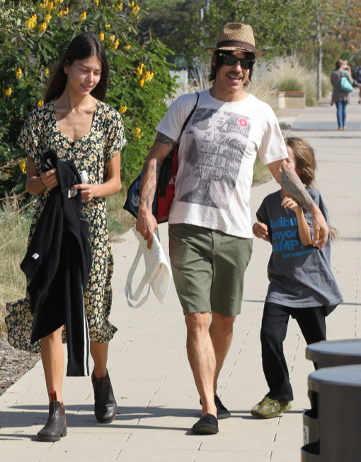 Anthony Kiedis: Funday With Everly and Model Girlfriend