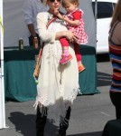 Pregnant Elsa Pataky & Family Spend The Day At The Malibu Farmers Market