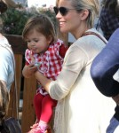 Exclusive... Pregnant Elsa Pataky Lets Daughter India Ride A Donkey
