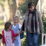 Jennifer Garner: Lunch Giggles With Violet & Seraphina
