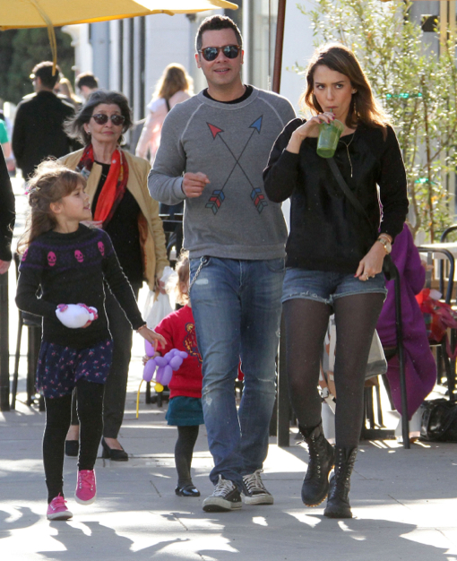 Jessica Alba & Family Spend The Day At The Park