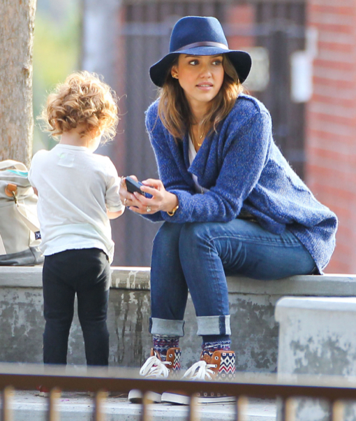 Jessica Alba Takes The Family To The Park