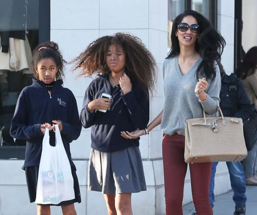Kimora Lee Simmons Goes Shopping With Ming & Aoki