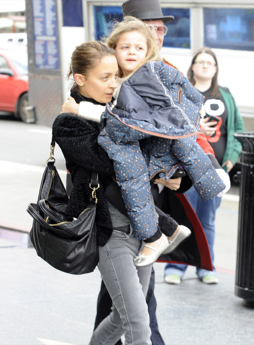 Nicole Richie & Harlow: Mother-Daughter Shopping Day