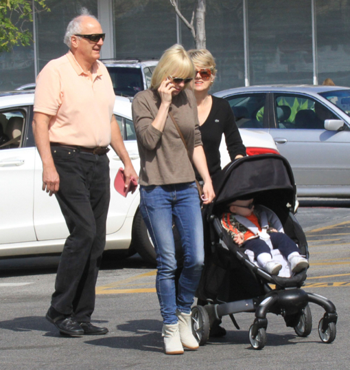 Anna Faris and her Parents Take Jack Out For the Day