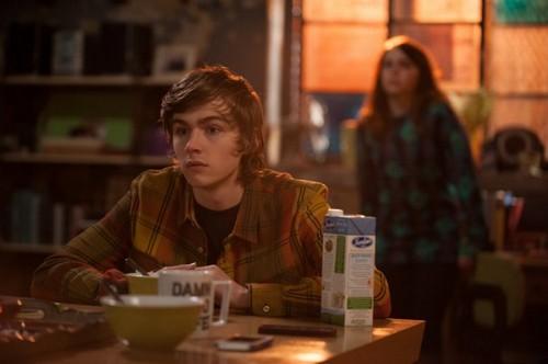 "Parenthood Recap For March 27th, 2014: Season 5 Episode 19 ""Fraud Alert"""